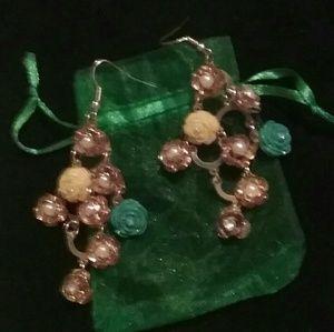 Jewelry - Women's Dangly earrings nwot
